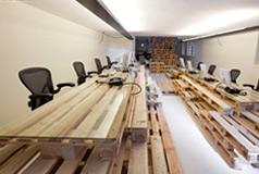 组合栈板——BrandBase总部室内设计