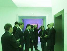 """""""2010 ZUMTOBEL 奥德堡照明VIP之旅""""参观奥德堡照明总部:团员在ZUMTOBEL 奥德"""